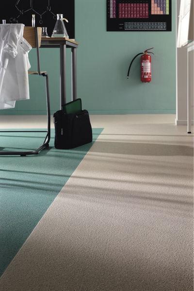 vinyl flooring silicon carbide safetred spectrum tarkett