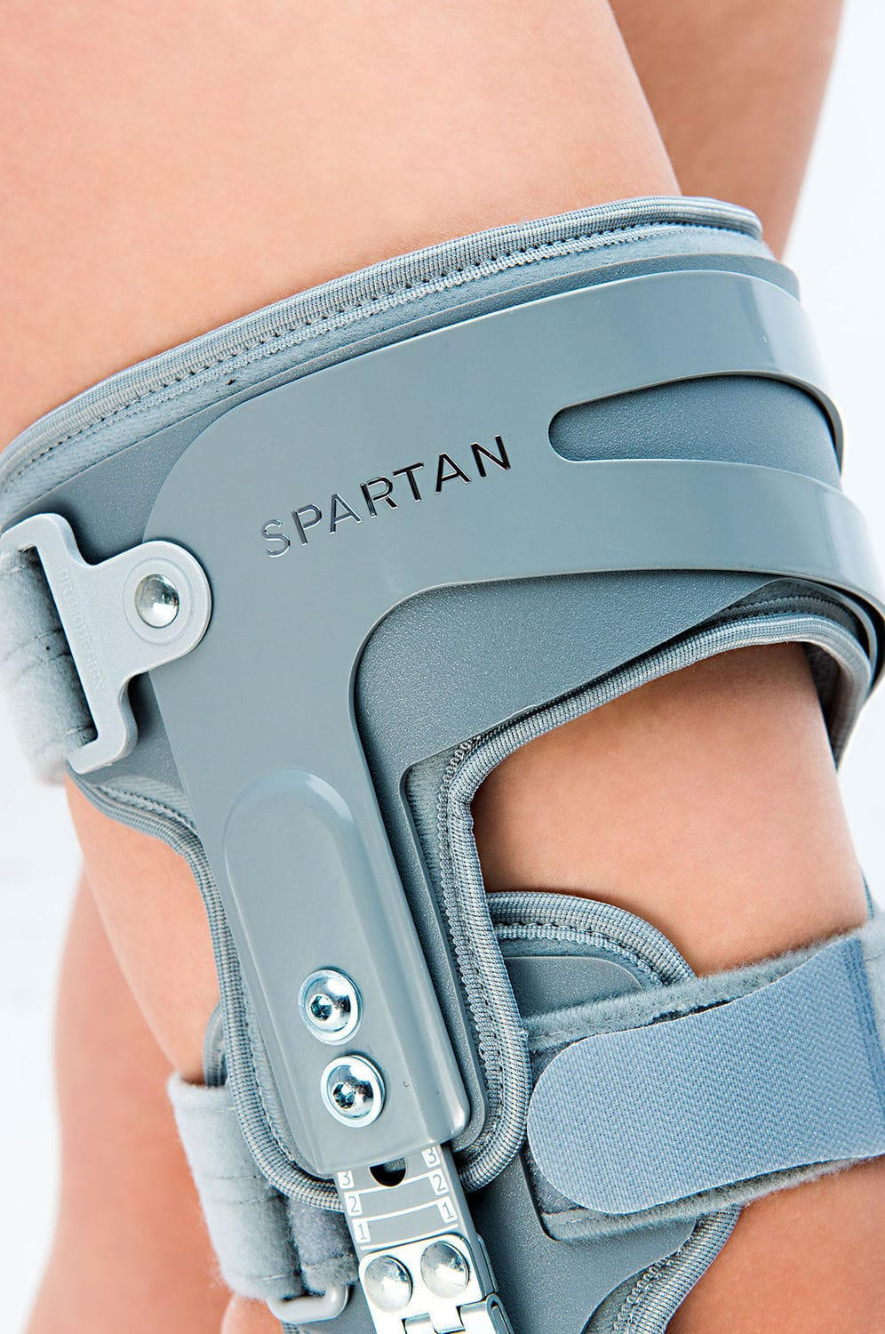 b437bcdacc Knee orthosis / knee extension / articulated - SPARTAN - Reh4Mat
