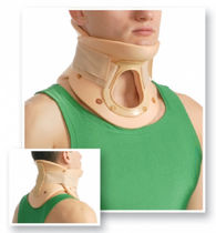 Rigid cervical collar / with chin rest / with tracheostomy opening / C4