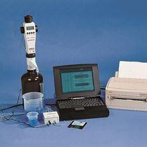 Electronic burette / bottle top