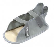 Adult cast shoe