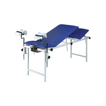 Fixed-height examination table / 3-section