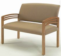 Chair with armrests / bariatric