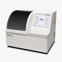 Veterinary biochemistry analyzer / automatic / bench-top / compact