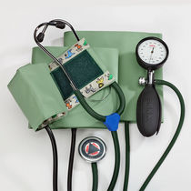 Aneroid sphygmomanometer / with stethoscope