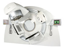 Linear particle accelerator / image-guided radiation therapy / with robotized positioning table