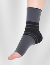 Ankle sleeve / with malleolar pad