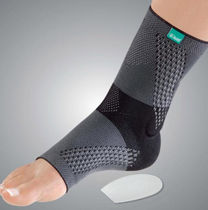 Ankle sleeve / with para-achilles pad