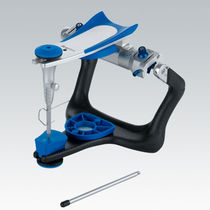 Fully-adjustable dental articulator