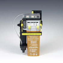 Air-water vacuum pump separator / dental