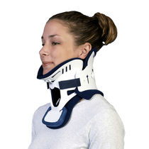 Miami cervical collar / with chin rest / with tracheostomy opening / C4
