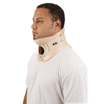 Philadelphia cervical collar / with chin rest / with tracheostomy opening / C4