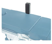 Lateral body support / lateral support / operating table