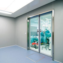 Hospital door / swing / glass