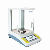 Precision laboratory balances / with digital display / bench-top