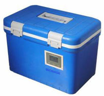 Portable refrigerator / for vaccines / blood bank