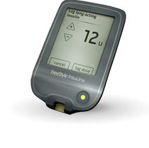 Touch screen blood glucose meter / for home use