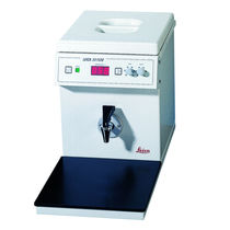 Laboratory paraffin dispenser