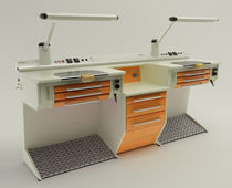 Dental laboratory workstation with footrest / double