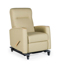 Reclining patient chair / on casters / with legrest