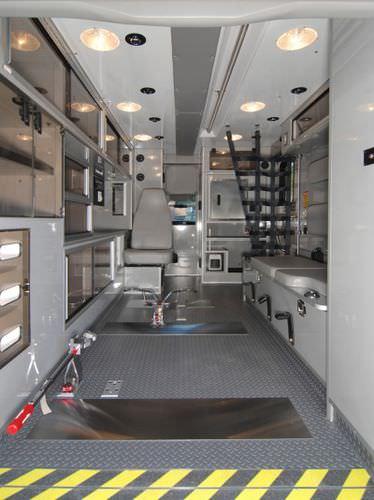 box ambulance / type III