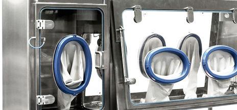 class III isolator / containment / dispensing / floor-standing