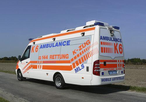 van ambulance / box
