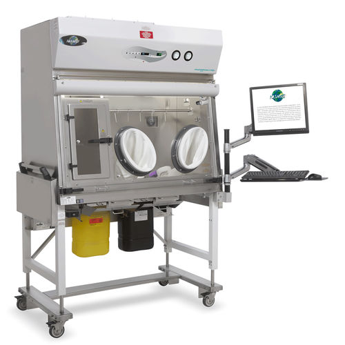 containment isolator / ISO class 5 / for the pharmaceutical industry / mobile