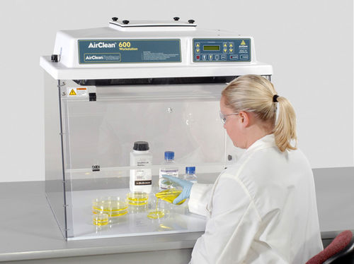 laboratory clean bench / bench-top / with HEPA filter / vertical laminar flow