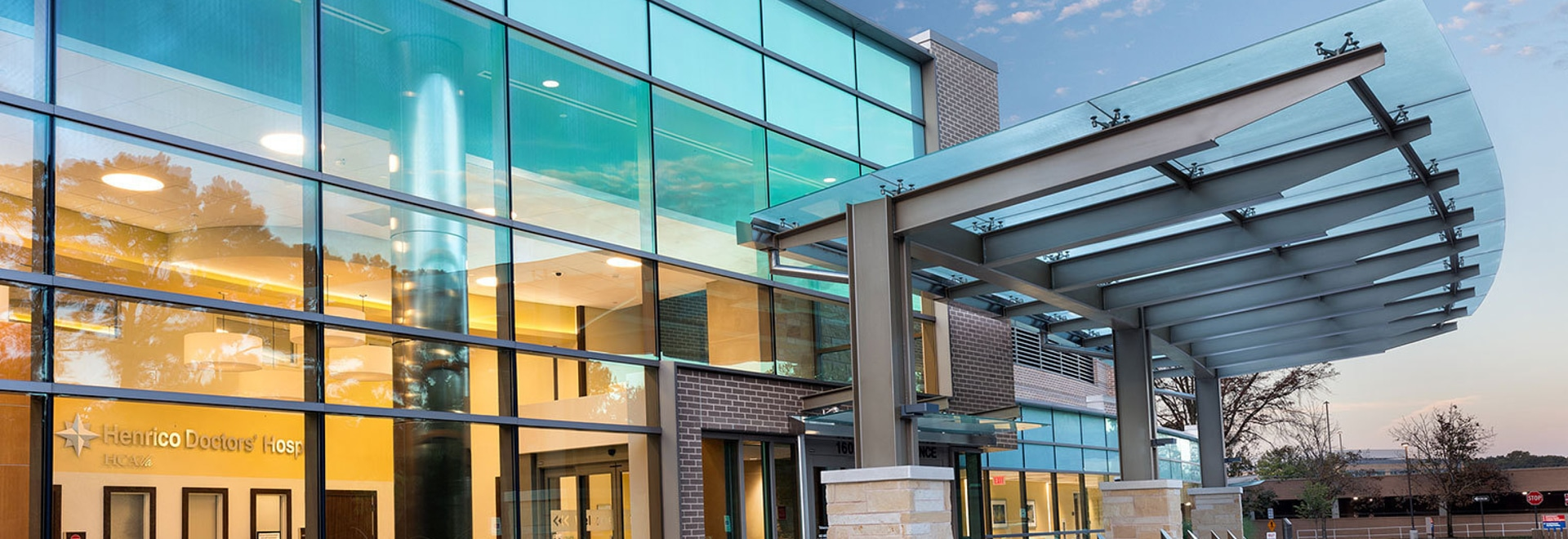 The hospital's new dedicated entrance and lobby for women's services. | Photo courtesy of Gresham, Smith and Partners
