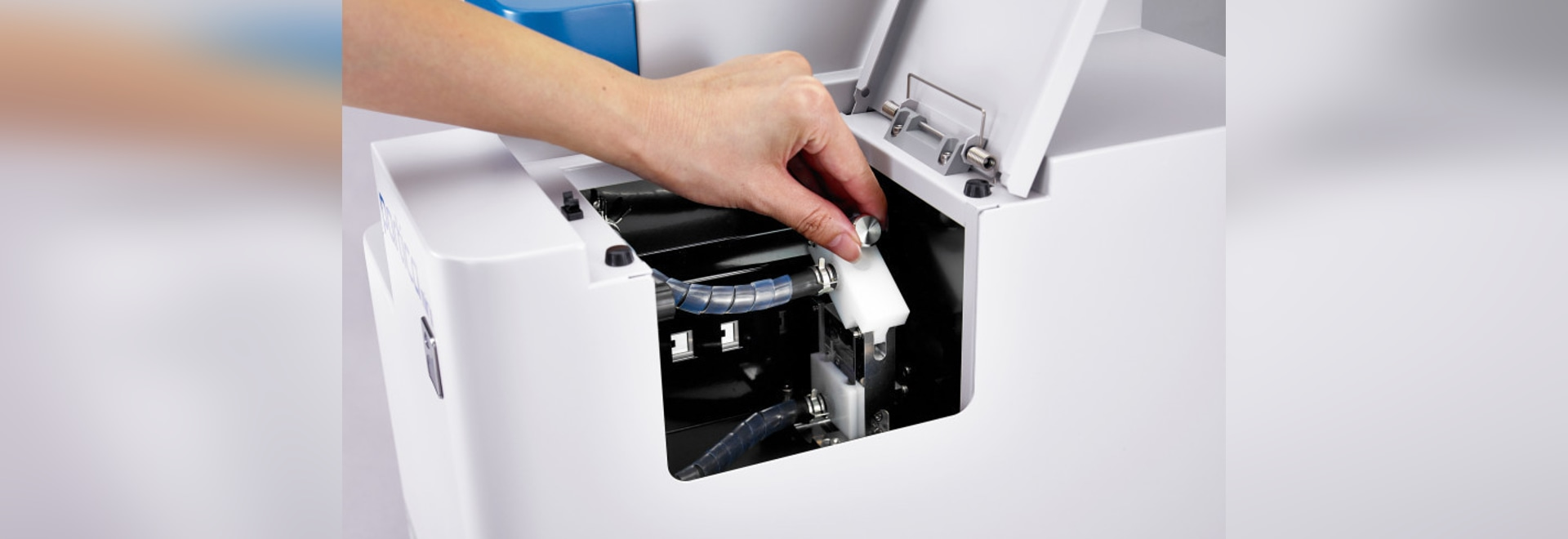 Powerful Particle Size Analyser the Size of a Sheet of Paper