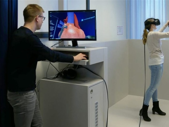 In the VR-Lab not only the spatial awareness can be improved. It also acts as a link between theory and practice in order to avoid students jumping directly from the lecture hall into the operating...