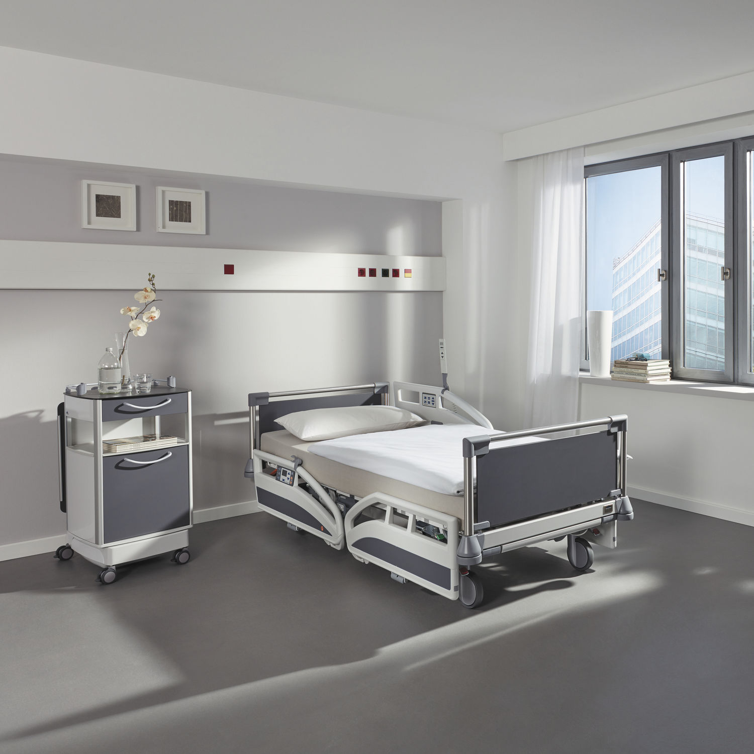 Hospital bed - Evario - Stiegelmeyer GmbH & Co. KG - electric /  height-adjustable / Trendelenburg