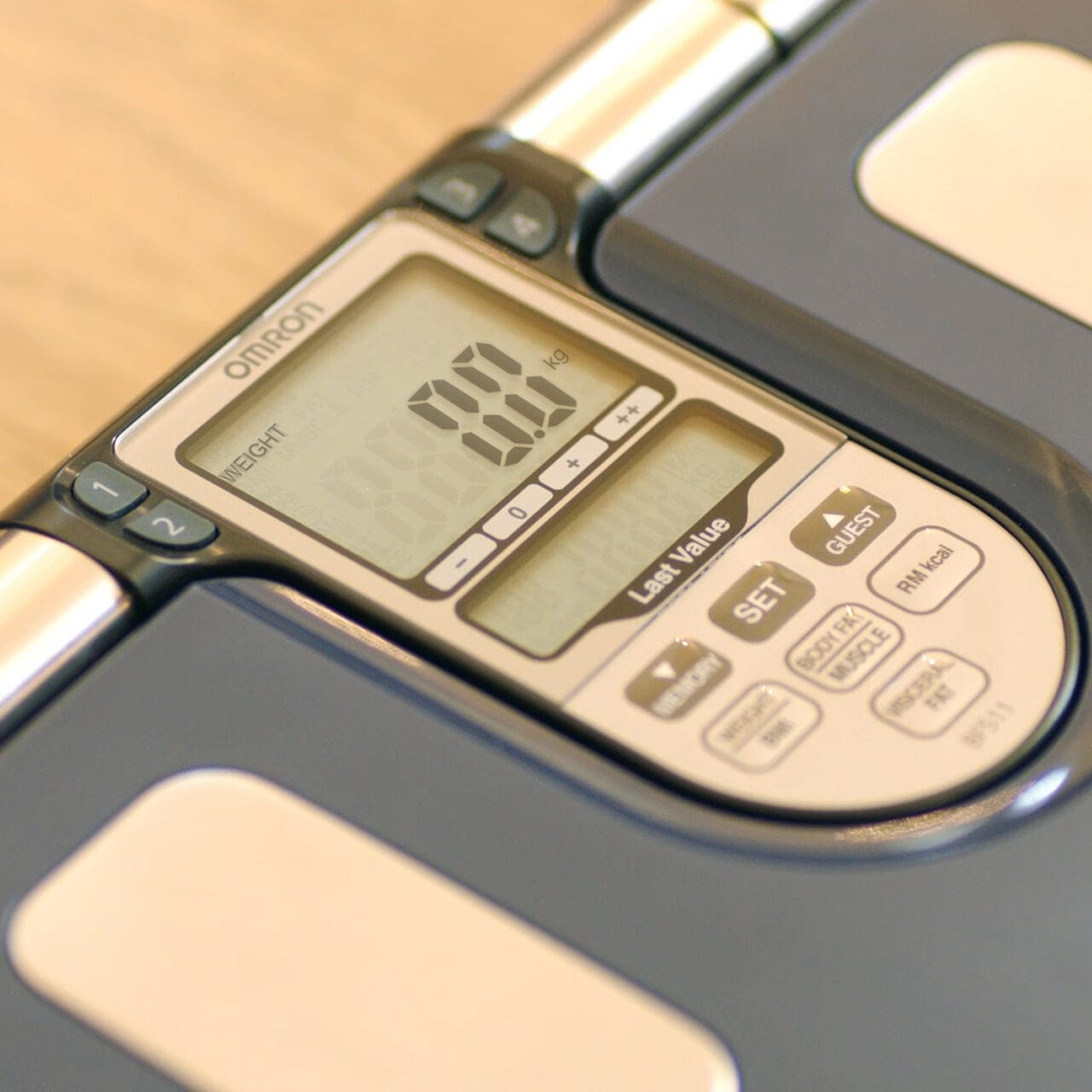 Turquoise Omron OM-BF511 Family Body Composition Fat /& Skeletal Health Monitor