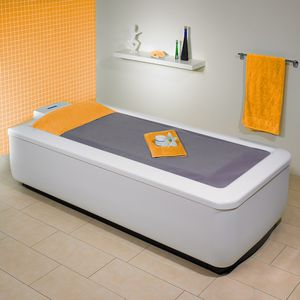 hydromassage table with water jet