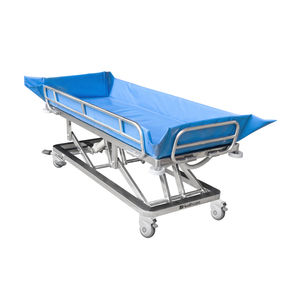 height-adjustable shower stretcher