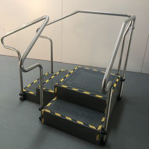 corner rehabilitation staircase / with 2 handrails / with ramp