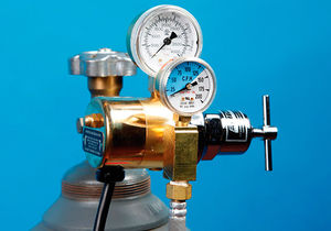 CO2 pressure regulator / for animal research / high-flow