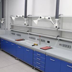 histopathology laboratory bench