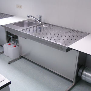 histopathology laboratory workstation