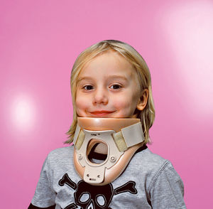 Philadelphia cervical collar / C4 / with tracheostomy opening / with chin rest