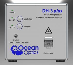 UV-Vis-NIR spectrometer light source