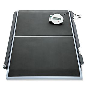 electronic platform scales / for wheelchairs / with LCD display / platform