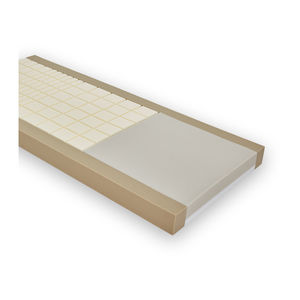 hospital bed mattress / foam / anti-decubitus / waffle