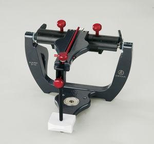 non-adaptable dental articulator