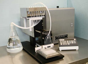 automated reagent dispenser / laboratory / benchtop / for microplates
