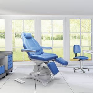 height-adjustable pedicure chair / on casters / 3-section