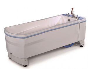 height-adjustable hydromassage bathtub