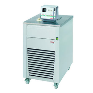 heating cryostatic bath / refrigerated / circulator / floor-standing