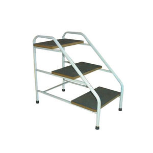 3-step step stool